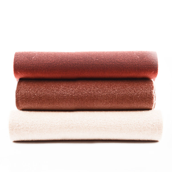 Italian velvets for interiors and the contract industry / l